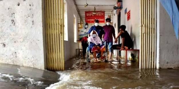 Bangladeş'te yağışlar sele yol açtı