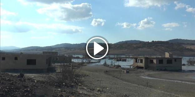 Baraj suları çekilince, köy ortaya çıktı!
