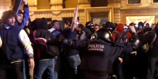 Barselona sokakları yine karıştı: Ayrılıkçılarla polis arasında çatışma
