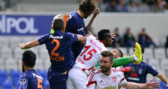 Başakşehir Sivasspor maçı beraber bitti