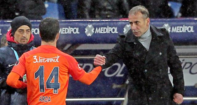 'Başakşehirli futbolcular Abdullah Avcı'ya küfür etti'
