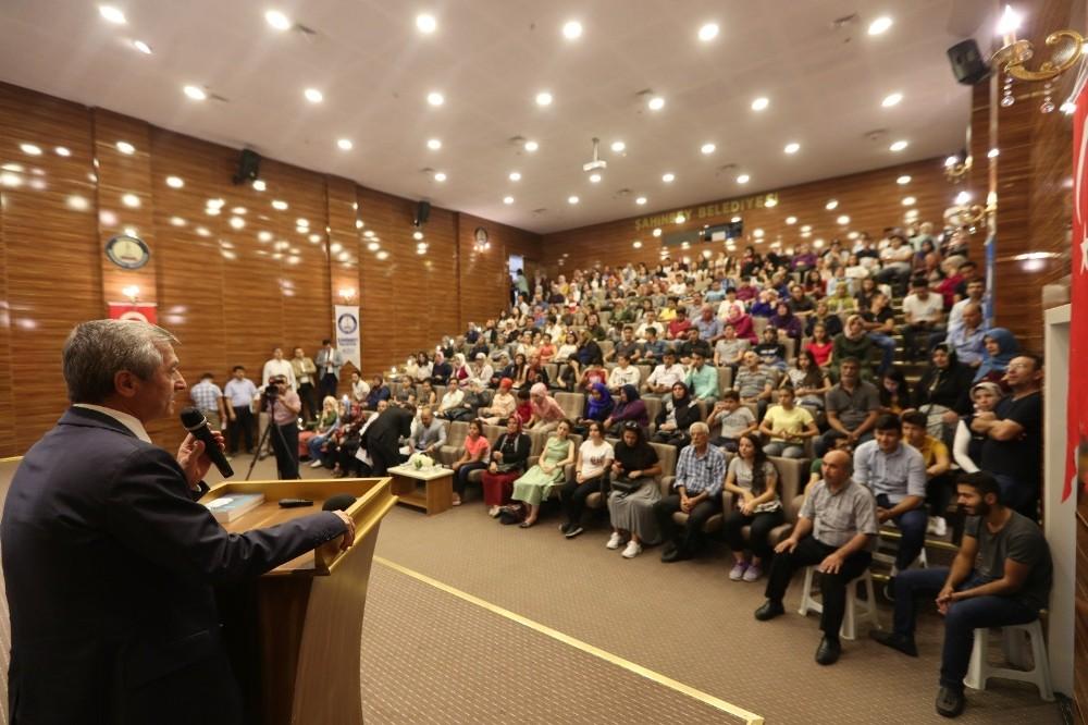 Başarılı öğrenciler, Bosna Hersek ile ödüllendiriyor