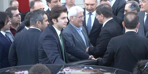 Başbakan Davutoğlu'ndan anlamlı ziyaret