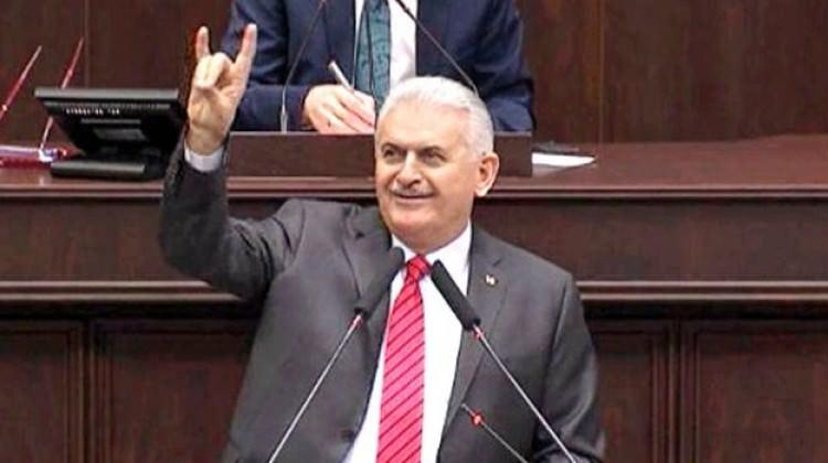 Başbakan Bozkurt işaretinin anlamını açıkladı