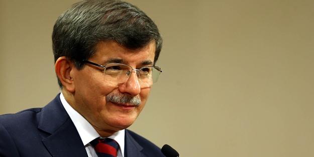 Davutoğlu Portekiz'e gitti