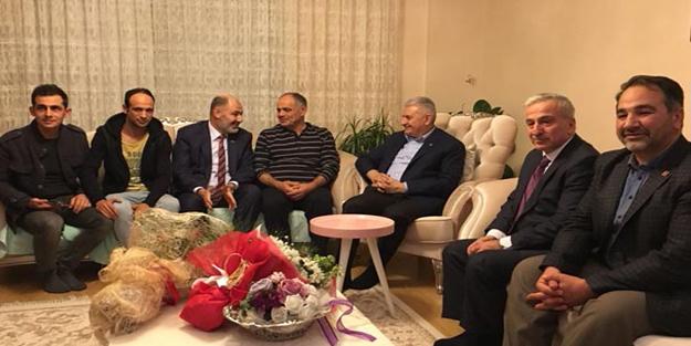 Başbakan Yıldırım bıçaklanan belediye başkanını ziyaret etti
