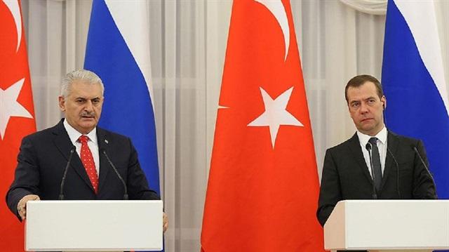 Başbakan Yıldırım, Rus mevkidaşı ile görüştü