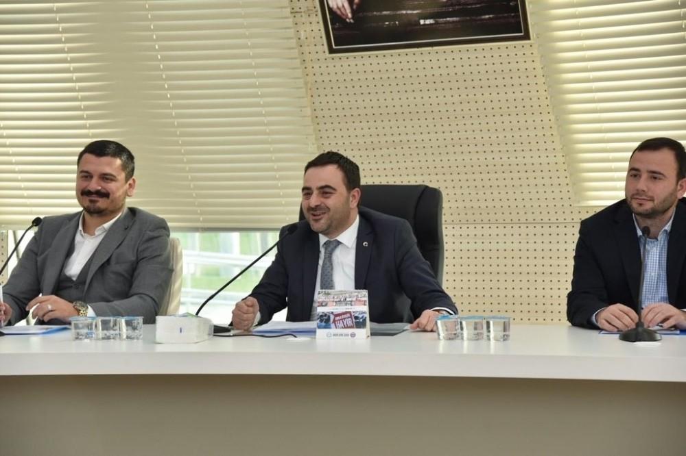 Başiskele meclisi huzur haklarını depremzedelere bağışladı