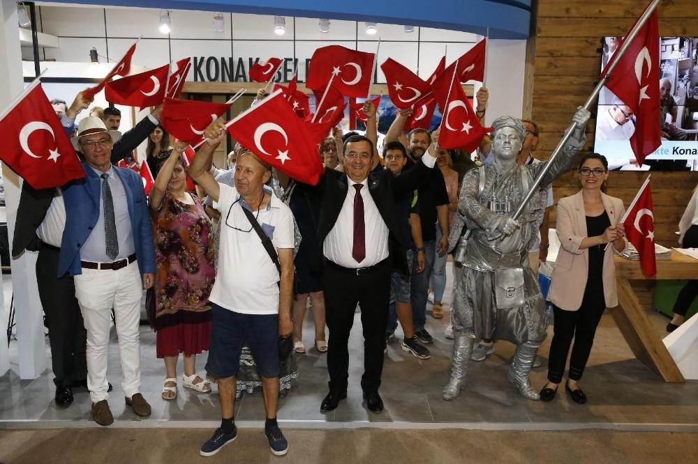 Başkan Abdül Batur, 9 Eylül coşkusunu fuara taşıdı