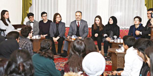 Başkan Aktaş gençlerle buluştu
