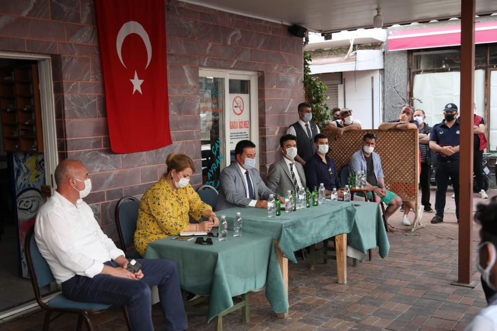 Başkan Aras, Turgutreis çarşı esnafıyla bir araya geldi