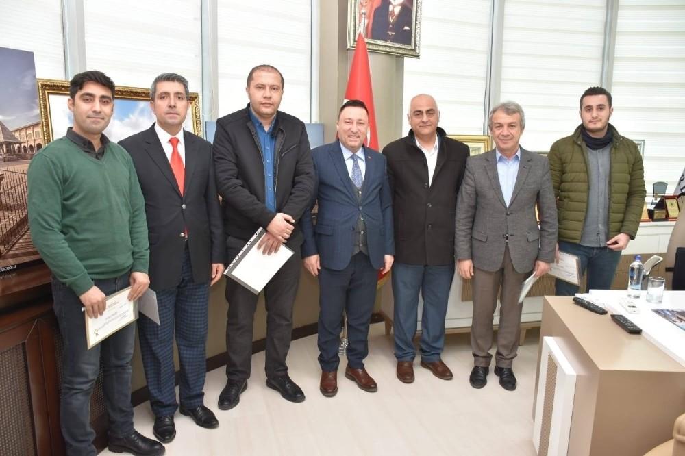 Başkan Beyoğlu'ndan 'temel afet bilinci' kursuna katılan personele sertifika