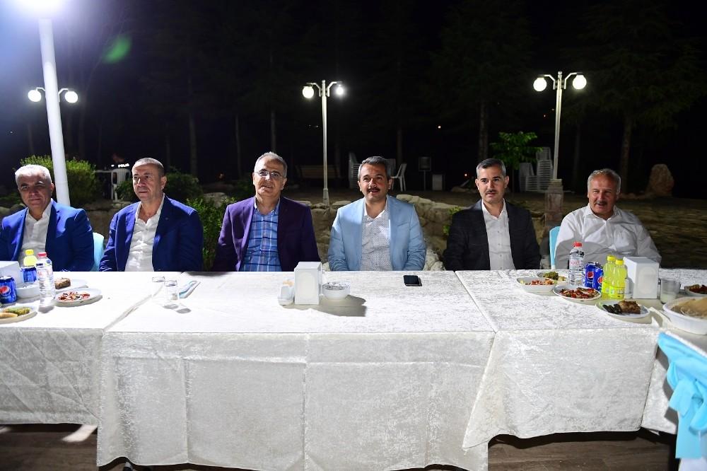 Başkan Çınar Erkek Voleybol A Milli Takımını misafir etti