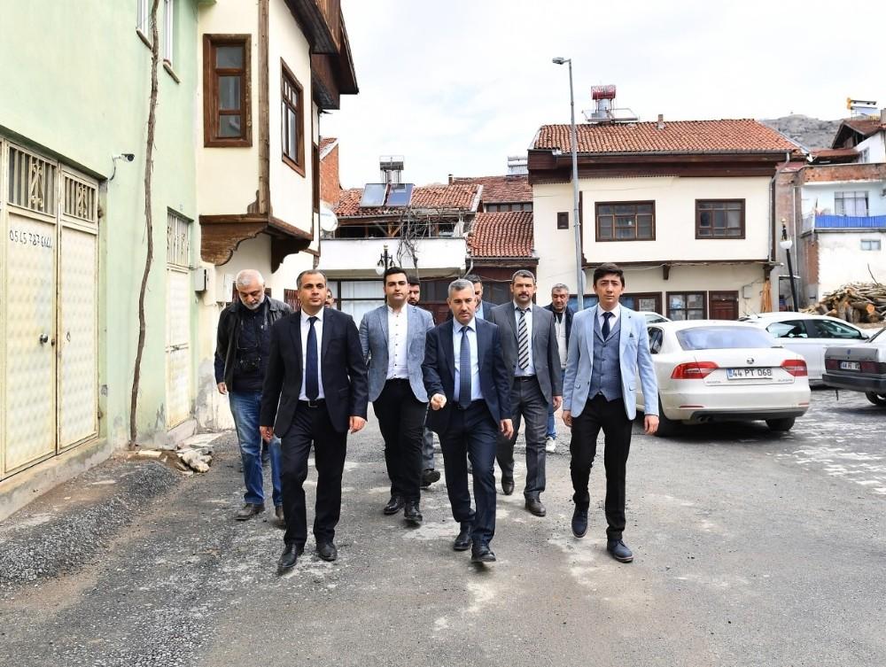 Başkan Çınar, yatırımları yerinde inceledi