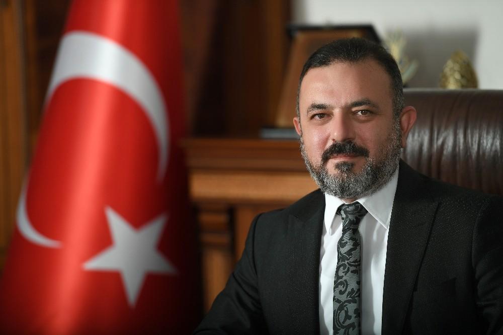 Başkan Ercan'dan Sağlık Kahramanları Hatıra Ormanı'na fidan bağışı