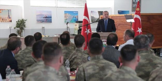 Başkan Erdoğan Bosna'daki Mehmetçik'i ziyaret etti: Seyretme lüksümüz yok!