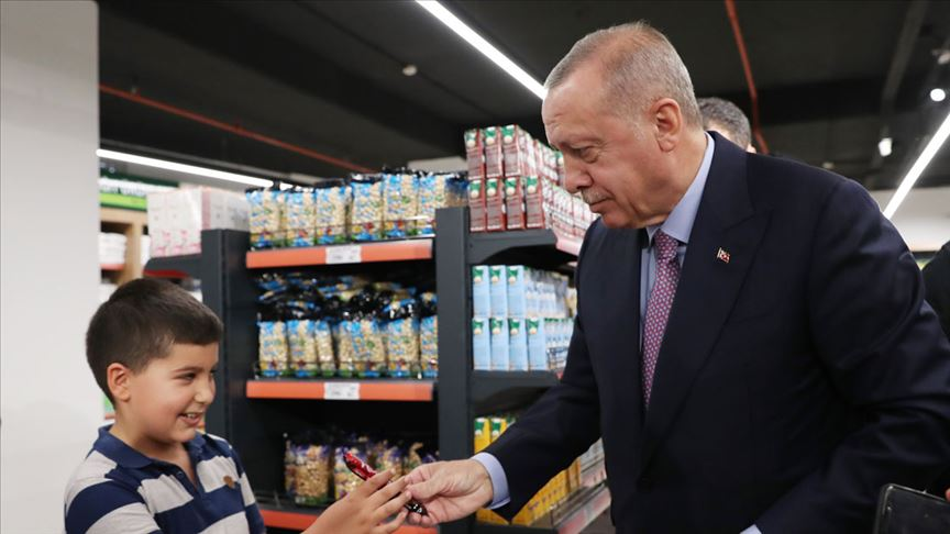 Başkan Erdoğan Tarım Kredi Kooperatifi satış mağazasından alışveriş yaptı