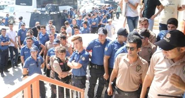 BAŞKAN ERDOĞAN'IN ÇAĞRISI SONRASI POLİSLER SIRAYA GİRDİ