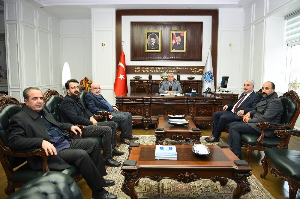 Başkan Güder'e geçmiş olsun ziyaretleri
