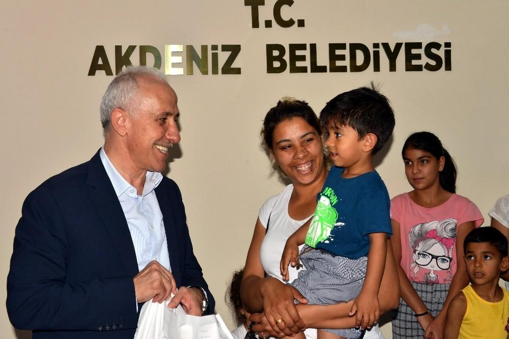 Başkan Gültak, çocuklara erken bayram sevinci yaşattı