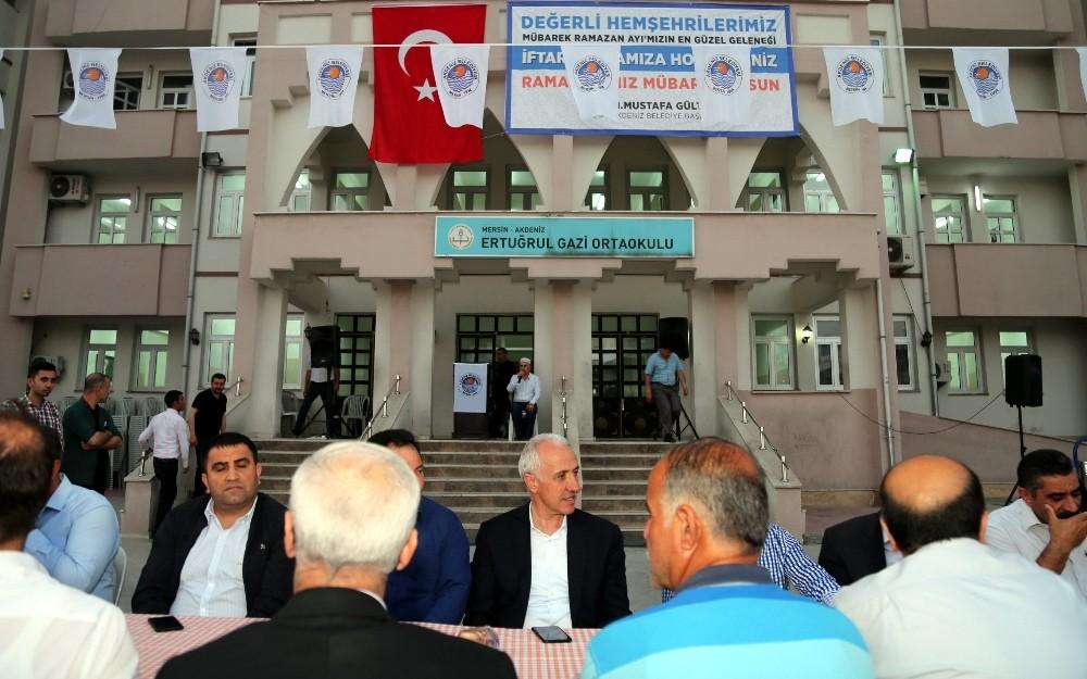 Başkan Gültak, ilk iftarda vatandaşlarla buluştu