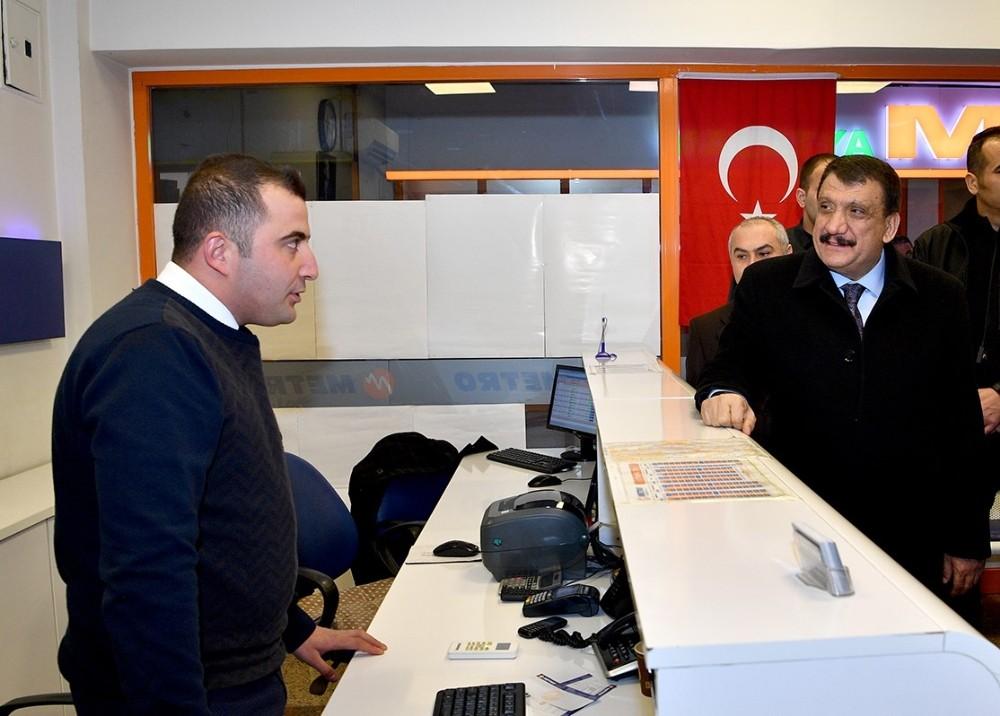 Başkan Gürkan, otobüs terminalini ziyaret etti