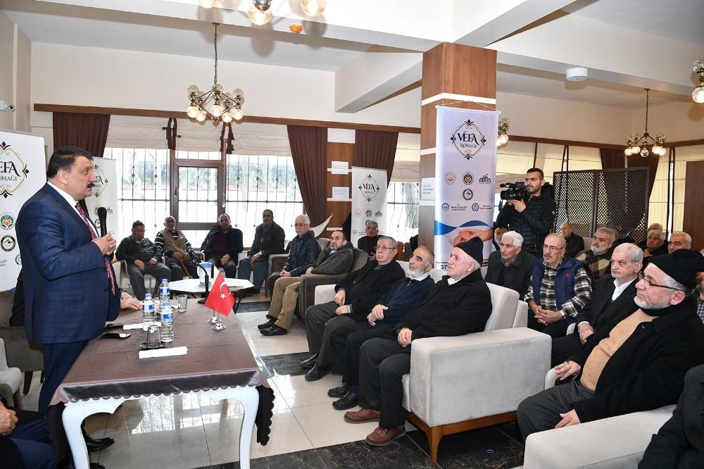 Başkan Gürkan'dan Vefa Konağını ziyaret