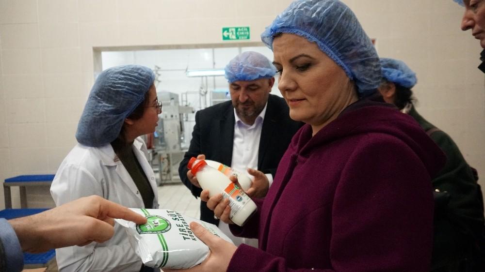 Başkan Hürriyet Tire'de süt üreticileriyle buluştu
