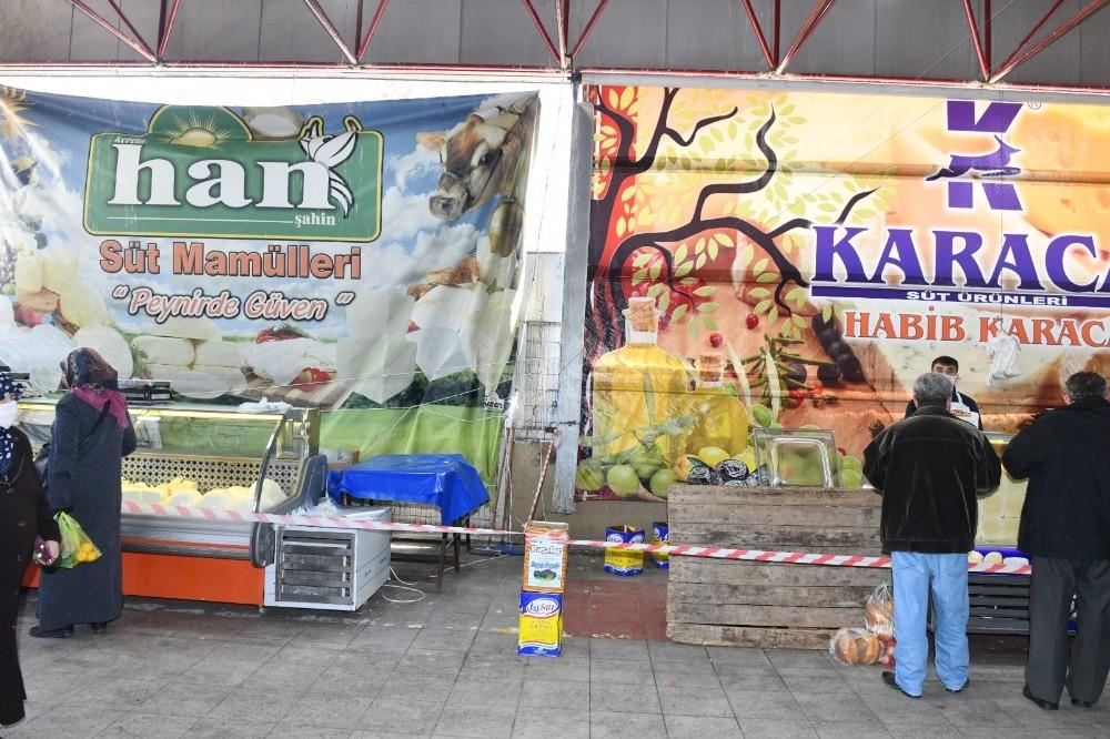 Başkan Kanar'dan pazar yerinde sosyal mesafe denetimi
