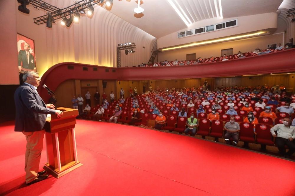 Başkan Karalar, personelle bayramlaştı