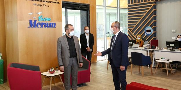 Başkan Kavuş'tan, Vefa Sosyal Destek Grubu çalışanlarına bayram ziyareti