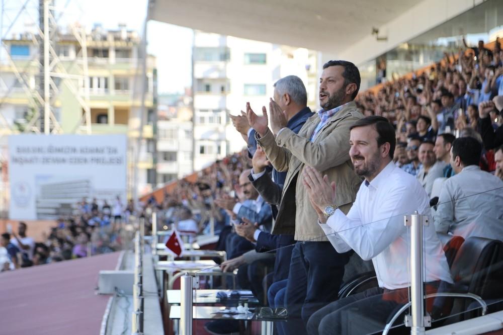 BAŞKAN KOCAİSPİR'DEN ADANA DEMİRSPOR'A DESTEK