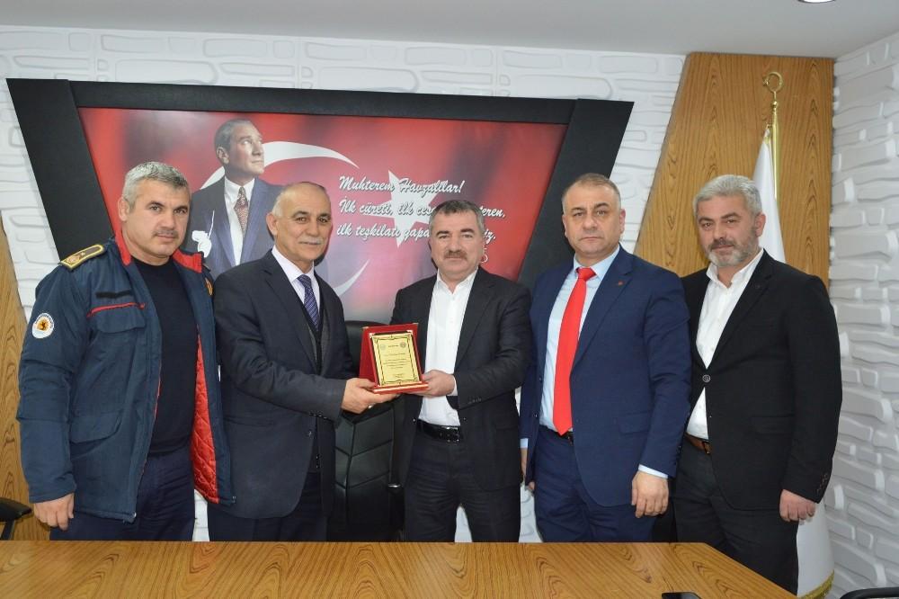 """Başkan Özdemir: """"Sendikal faaliyetleri önemsiyor ve destekliyoruz"""""""