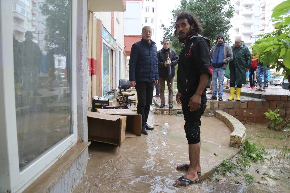 Başkan Tarhan, yağıştan etkilenen bölgelerde incelemelerde bulundu