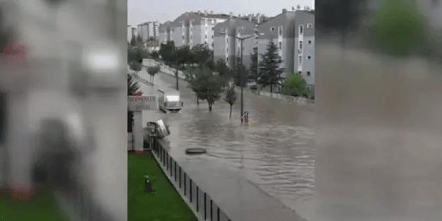 Başkent Ankara'yı sel aldı!