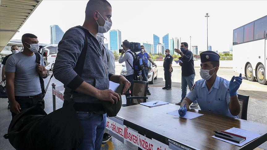 Başkente yeni celplerle gelen erler sıkı sağlık kontrolleriyle birliklerine alınıyor