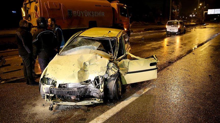 Başkentte zincirleme trafik kazası meydana geldi