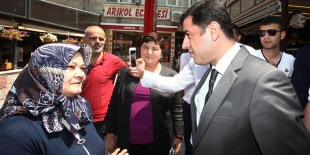 Başörtülü kadından Demirtaş'ı susturan sözler