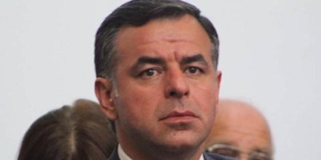 Başörtüsüne saldıran Barış Yarkadaş'tan Ali Babacan'a anket gazı! Babacan'ın partisinin alacağı oy oranı...
