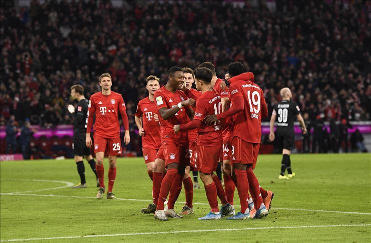 Bayern Münih iki hafta sonra sahadan galip ayrıldı