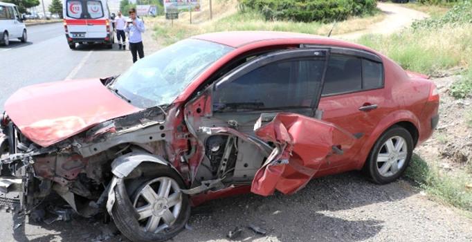 Bayram ziyaretine giden aile kaza geçirdi: 7 kişi yaralı