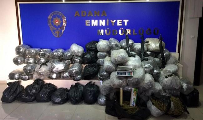 Bayramda 33 uyuşturucu satıcısı cezaevine gönderildi!