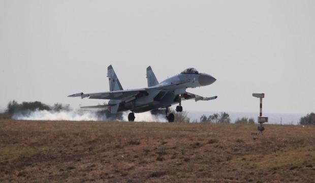 Beklenmedik sürpriz! SU-35 savaş uçağı İstanbul'a iniş yaptı