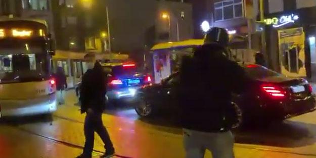 Belçika'da isyan! Kral'ı taşıyan aracı taşladılar