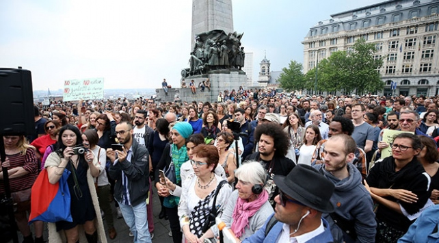 Belçika'da yüzlerce kişi polis şiddetini protesto etti