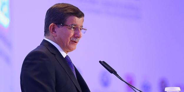 Belediye başkanı Davutoğlu'nun partisine geçti