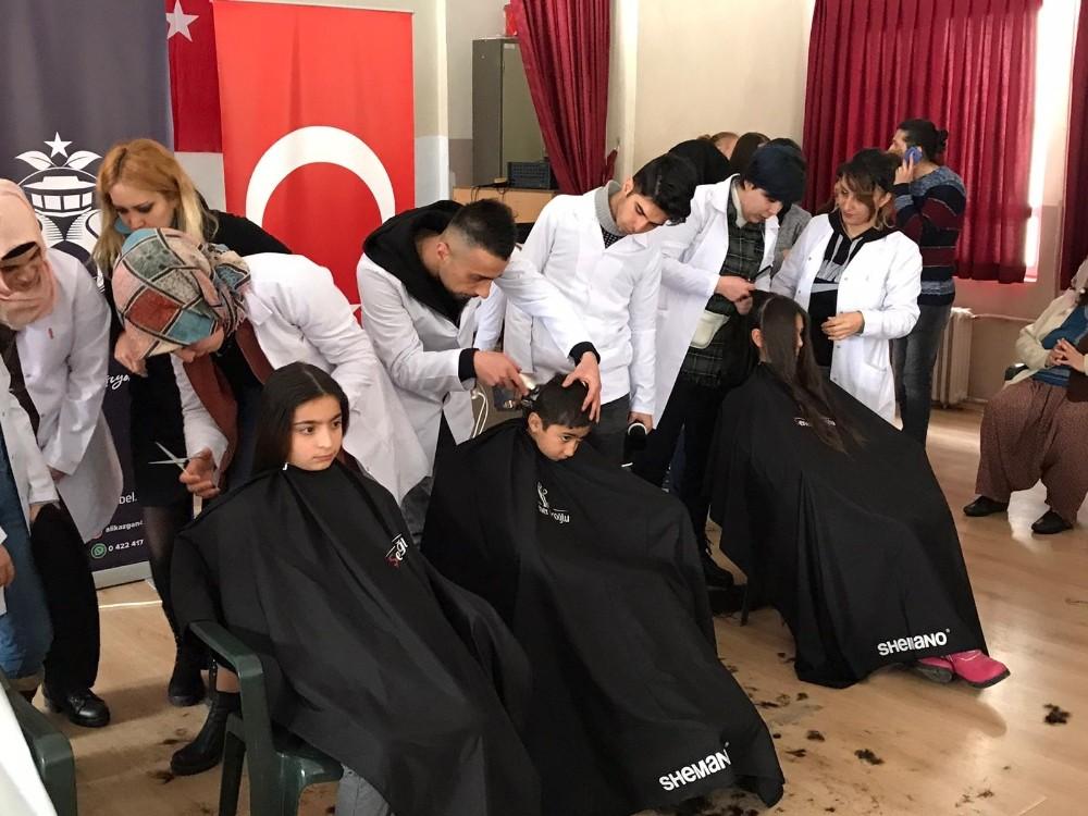 'Benim Kuaförüm Köy Okullarında' projesi ile çocukları sevindirdiler