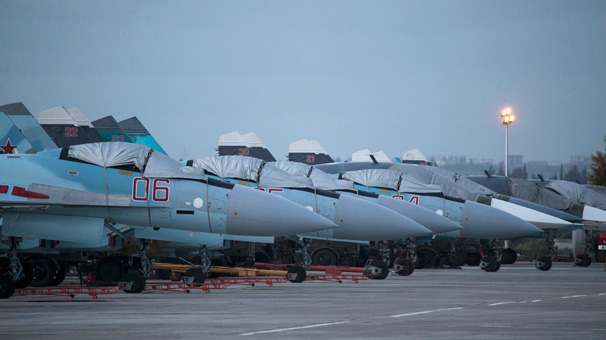 Beşar Esad savaş uçaklarını Rus üslerine taşıdı!
