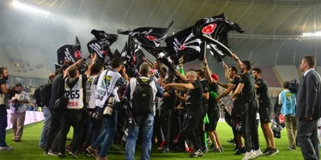 Beşiktaş 24 sezonluk hasreti bitirdi