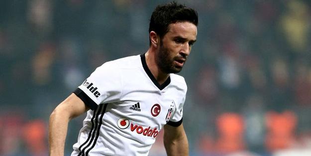 Beşiktaş Gökhan Gönül ile son kez masaya oturacak